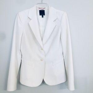 White / light cream colored blazer